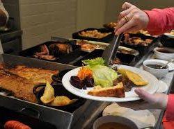 Dicas de alimentação saudável para comer em um restaurante.